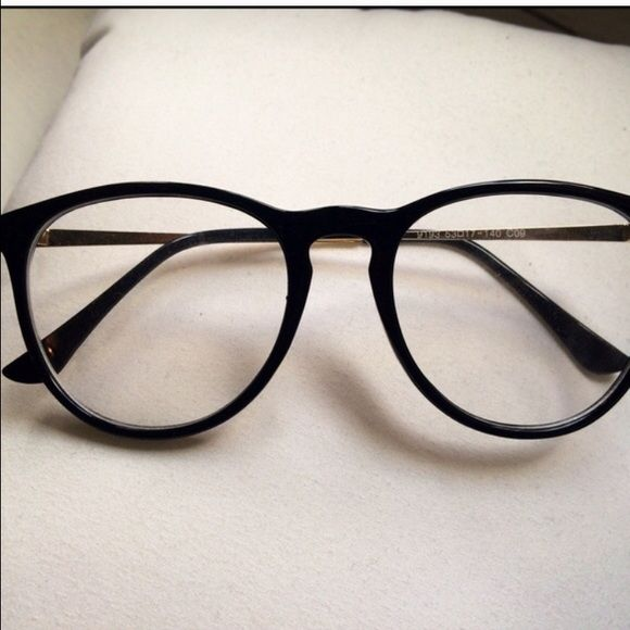 Fashion glasses Oversized glasses - super cute and on trend. Plastic frame with…
