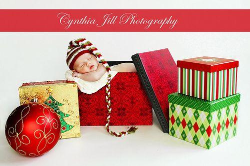 Christmas prop ideas: Baby Christmas Photo, Christmas Newborn, Gus Fuss, Newborn Photo, Christmas Baby, Baby Pictures, Christmas Idea, Christmas Card Photo, Photo Idea