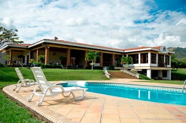 Bienvenido a Hotel Boutique la Vid, Alojamiento en el valle,  sitios de pesca, lagos de pesca, alojamientos campestres en el valle, hospedaje en el valle.