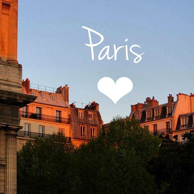 🇫🇷Memories of those sun kissed rooftops in Paris 💛  #paris #saintgermaindespres #sunset #rooftops #golden #sunlight #sunkissed  #thatview #parisian #instagood #instaparis #instatravel #instafrance #visitparis #visitfrance #instaview  #loveparis #beautiful #picturesque #spring #april  #magnifique  #love #travel #explore #live #melbournelifelovetravel #parisiloveyou