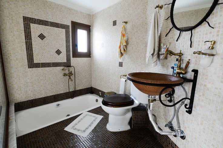 Μπάνιο σε γήινες αποχρώσεις