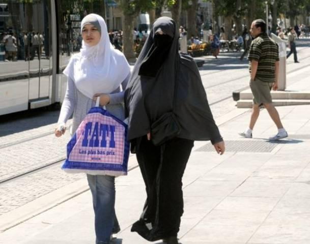 port hawksbury single muslim girls On 'burkini island' muslim girls can finally learn to swim full-length swimsuits and lessons allow schoolgirls in zanzibar to learn aquatic safety and experience.