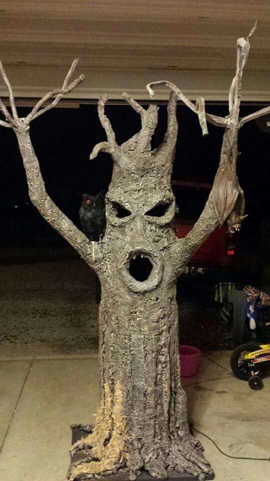Ami and Stan's Halloween haunted tree 2014