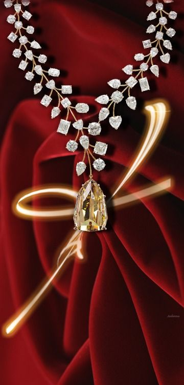 L'INCOMPARABLE DIAMOND NECKLACE FOR VALENTINES DAY!