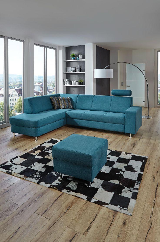 auf dieser farbigen wohnlandschaft lassen kann man sich es. Black Bedroom Furniture Sets. Home Design Ideas