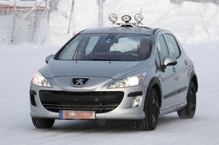 Первые фотографии Peugeot 301 2013–года
