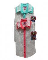 Blusa encaje color perla con cuello color menta y color, tela ajustable.