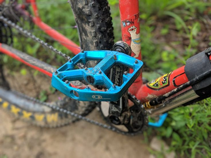 5 Flat Mountain Bike Pedals Tested and Reviewed