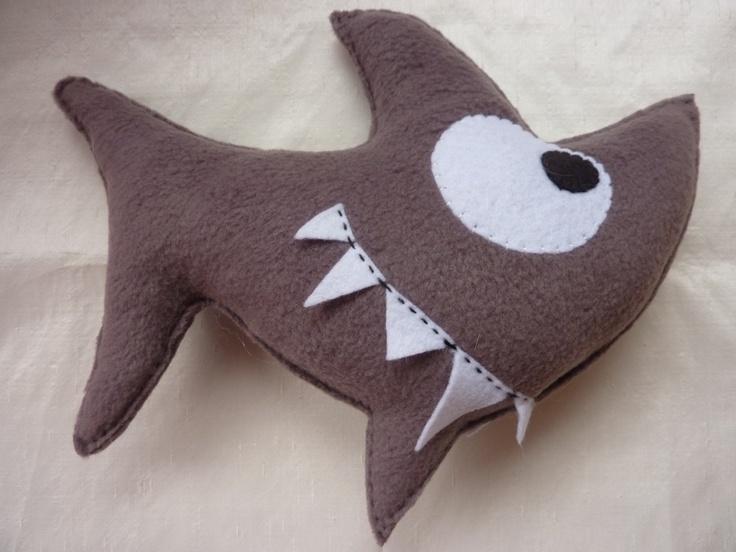Edgar le baby shark