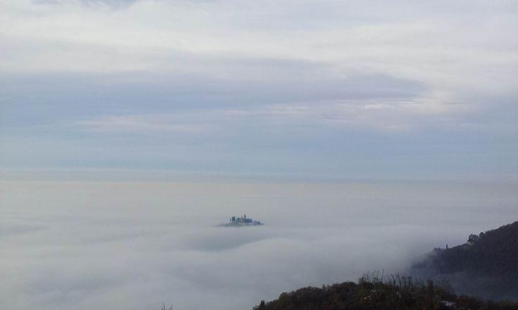Nebbia sulla Pianura Padana, la Santissima spunta... - http://www.gussagonews.it/nebbia-pianura-padana-santissima-spunta-dicembre-2016/