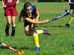 US field hockey star Carrie Lingo sets out four simple drills that work on the basic skills of hockey play. These drills are ideal when working with young players by getting them to focus on some of the fundamental skills of the game.