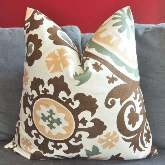 Brown Sofa Pillows: 25+ Best Ideas About Chocolate Brown Couch On Pinterest