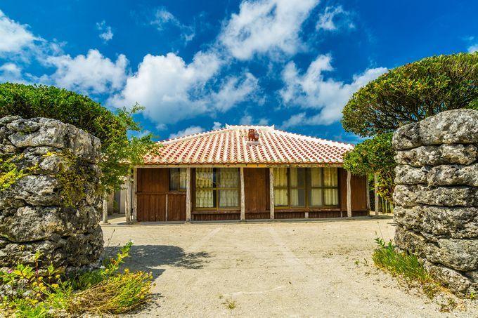 わざわざ泊まりに行きたい!沖縄の「ホテルより魅力的な」古民家民宿7選