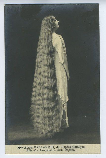 Photos vintages de filles aux cheveux longs par Edwardian Rapunzels