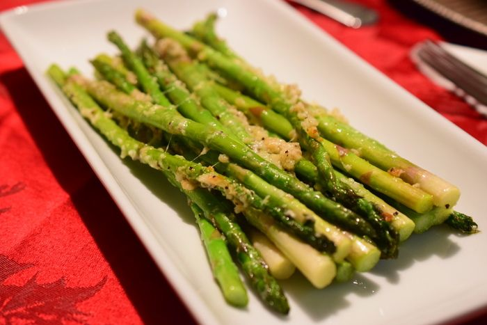 Festival Foods's own delicious recipe for Parmesan Roasted Asparagus with Garlic.