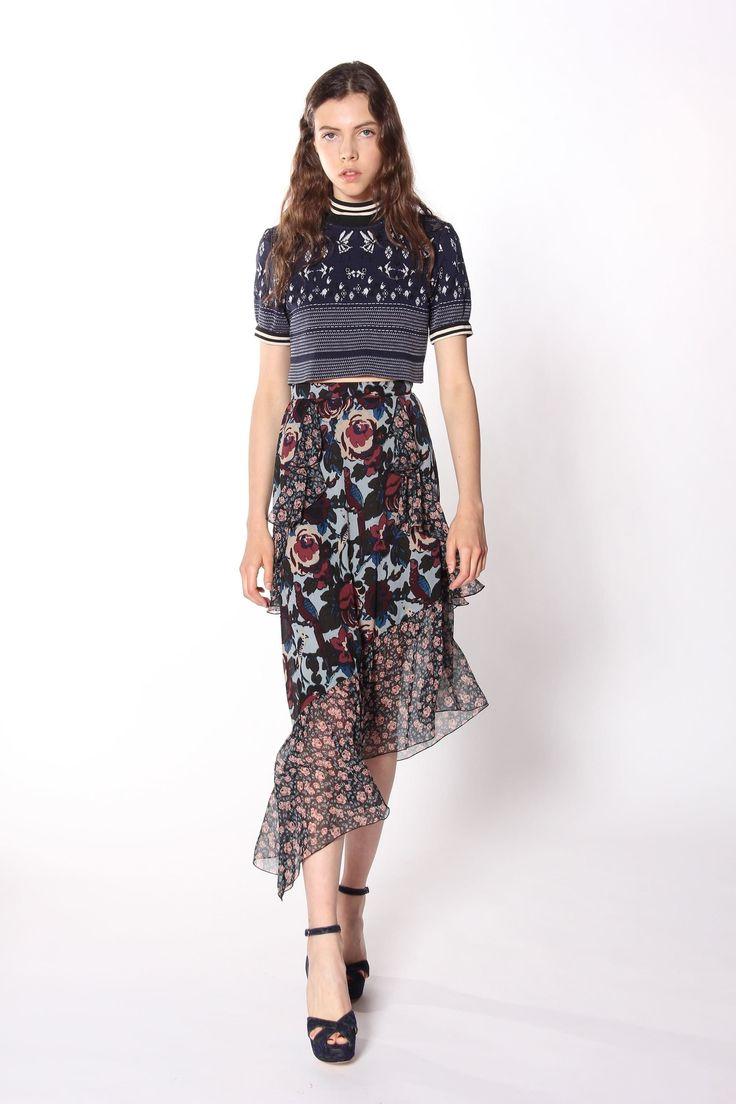 Дефиле юбки