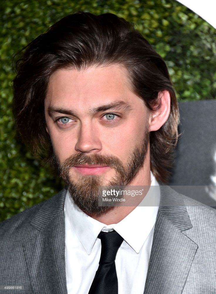 actor-tom-payne-attends-the-gq-20th-anniversary-men-of-the-year-party-picture-id499861816 (755×1024)