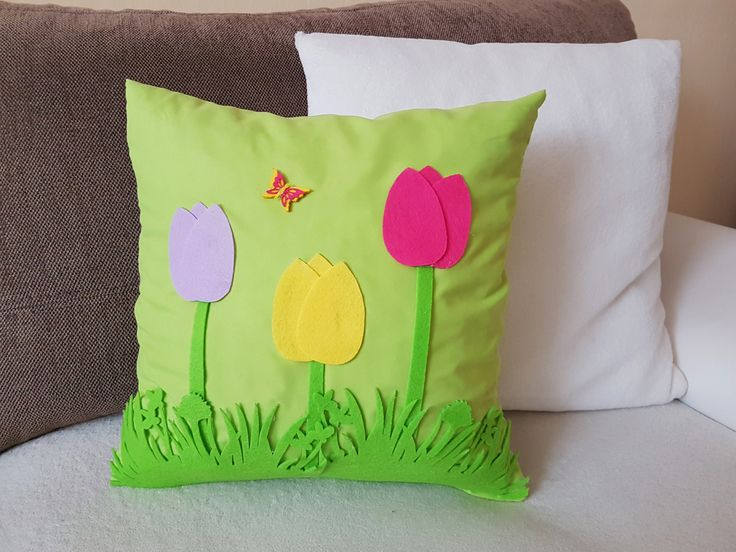 Spring pillow  Tutorial and more decoration in video: https://www.youtube.com/watch?v=ts6wr3u2VQE&t=26s  #spring #Easter #decor #decoration #diy #craft #holiday #pillow