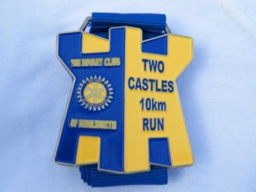 Two Castles 10Km race from Warwick castle to Kenilworth castle - totally going to do this next June!