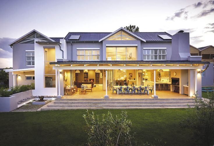 Ideally located near Midrand, this house is the perfect marriage of form and function.