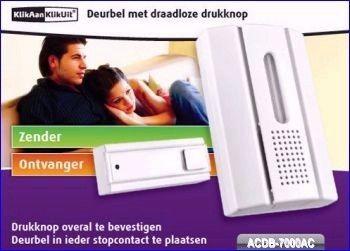 De ACDB-7000AC bestaat uit een kleine batterijgevoede drukknopzender, die u aan de voordeur kunt bevestigen en een elektronische deurbel, die u ergens in huis in een standaard wandcontactdoos kunt steken. De deurbel is voorzien van een krachtige LED die gaat knipperen als de drukknop wordt bediend. U kunt vijf verschillende melodieën instellen en het volume van de bel in vier stappen regelen. http://www.vego.nl/klikaanklikuit/12/acdb_7000ac.htm