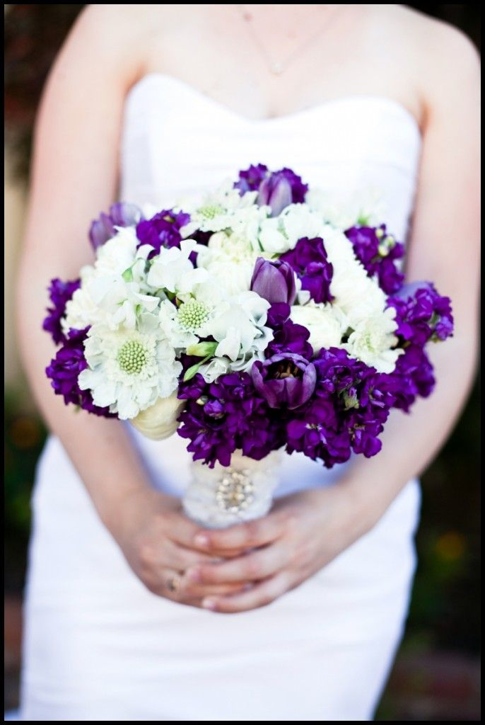 purple and white bouquet floral studio inspiration pinterest more white bouquets ideas. Black Bedroom Furniture Sets. Home Design Ideas