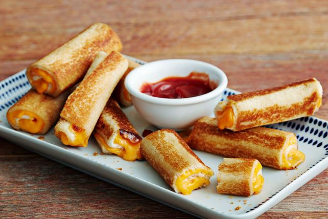 Grilled Cheese Roll-Ups: Try this fun way to serve your grilled cheese and you can dunk it!