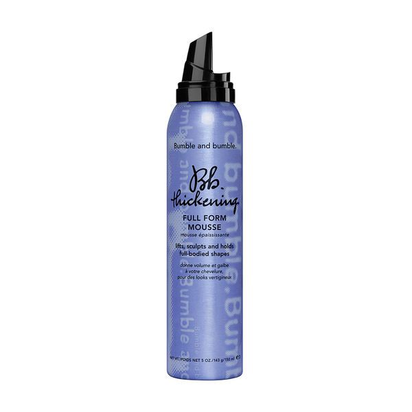 Add volume to hair instantly with Bumble And Bumble Thickening Mousse. Use the non-sticky crème mousse on damp hair to add volume and hold the hairstyle for long time.