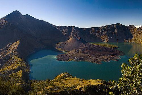 Segara Anak Lake and Mount Barujari, Lombok, West Nusa Tenggara, #indonesia (via indonesianpride)