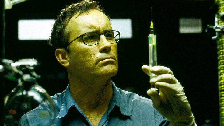 Jeffrey Combs on Re-Animator's endurance, playing H.P. Lovecraft, and more