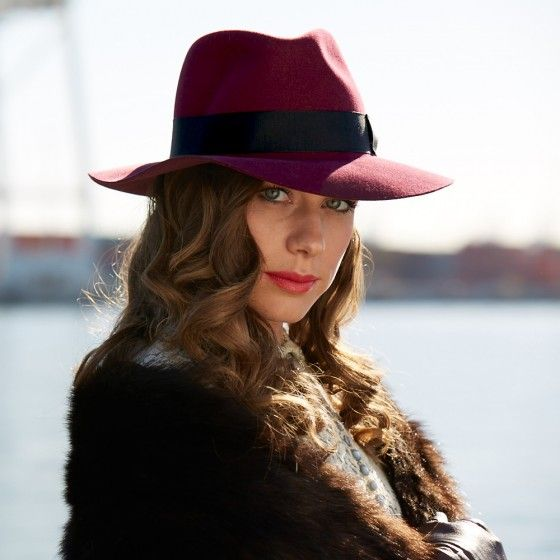Ladies, meet County Line. The raw edge brim and burgundy red make this fedora a must-have in every woman's hat collection. Worn with a bohemian twist or down in the front, this hat is sure to add a little sophistication to your look.
