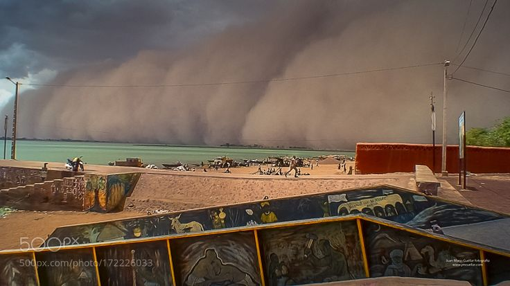 """Tormenta de arena. Rio Niger. Niono. Mali Go to http://iBoatCity.com and use code PINTEREST for free shipping on your first order! (Lower 48 USA Only). Sign up for our email newsletter to get your free guide: """"Boat Buyer's Guide for Beginners."""""""