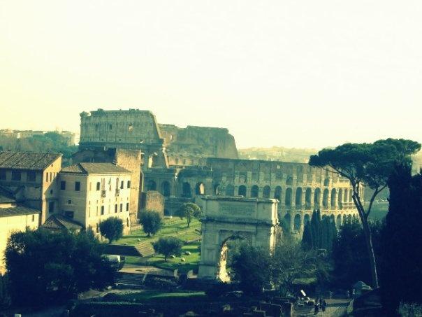 Chi Roma non vede, nulla crede.