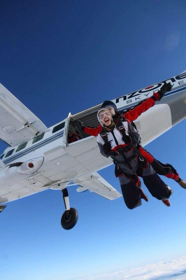 Natasha Williams @tasha_williams2  ·  Apr 23 Absolutely loved #Skydiving #15000ft #Adrenaline #Junkie #NewZealand #Queenstown #Nzone