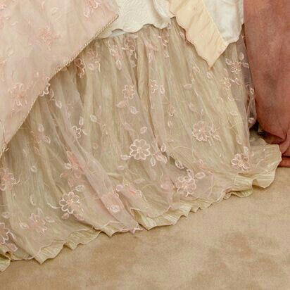love this bed skirt it looks like wedding lace. awesome!