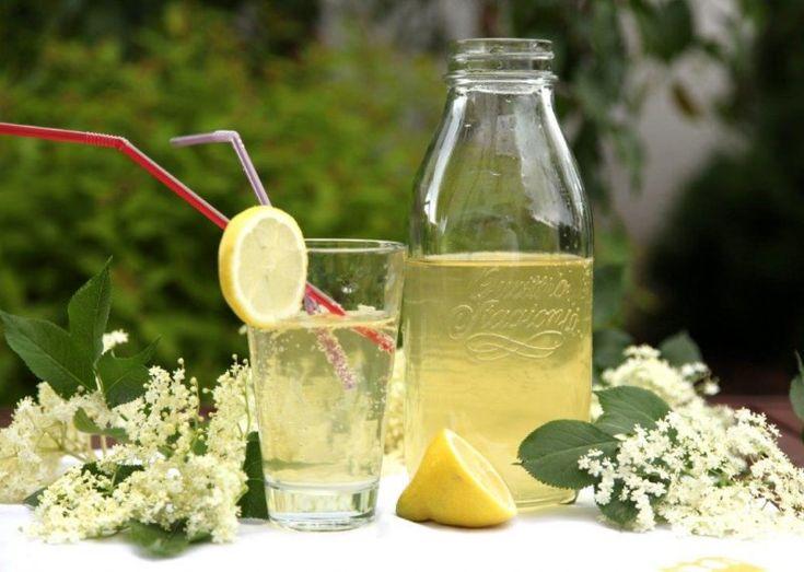 Lehká a jemná chuť ručně natrhaných květů bezu, lidově bezinek, perfektně zachycuje esenci teplého léta nebo alespoň jeho předzvěst. Aromatické bílé květy černého bezu ( Sambucus nigra) evokují večerní odpočinek na verandě se sklenicí voňavé limonády a předtím i výpravy … Read More