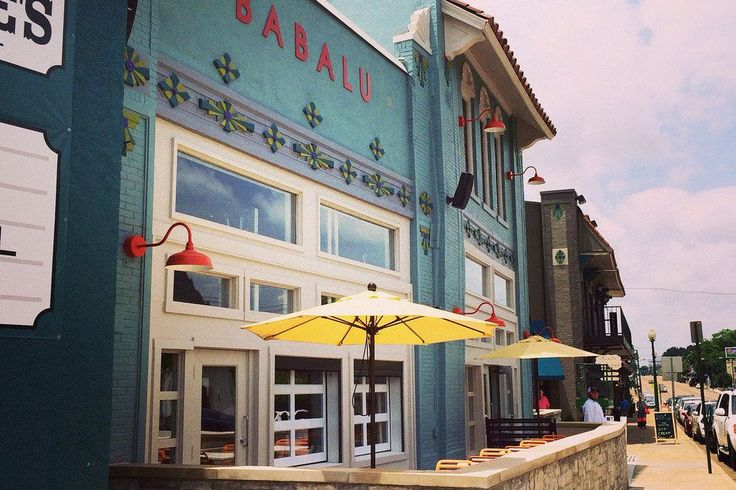 The latest restaurant offering in the Overton Square area of Midtown Memphis combines the best of many worlds: Spanish, Southern, Mexican and pub grub. With an indoor-outdoor bar, patio seating and more people watching than even the snoopiest among us can handle, Babalu Tacos & Tapas brings a spicy new vibe to the Memphis dining scene.