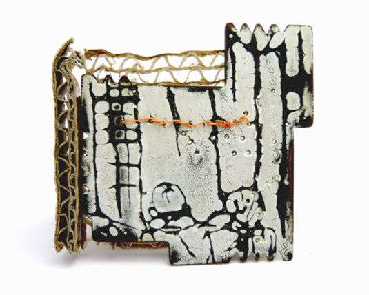 Emma McFarline | Inspired by urban graffiti: Plastic Wire, Enamels Jewelry, Emma Mcfarlin, Steel Wire, Art Jewelry, Alley Brooches, Brooches Cardboard, Corrugated Alley, Enamels Metals