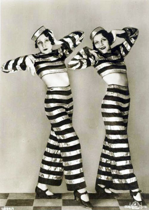 These were the Dodge sisters in the 1920s and they had a unique fashion.