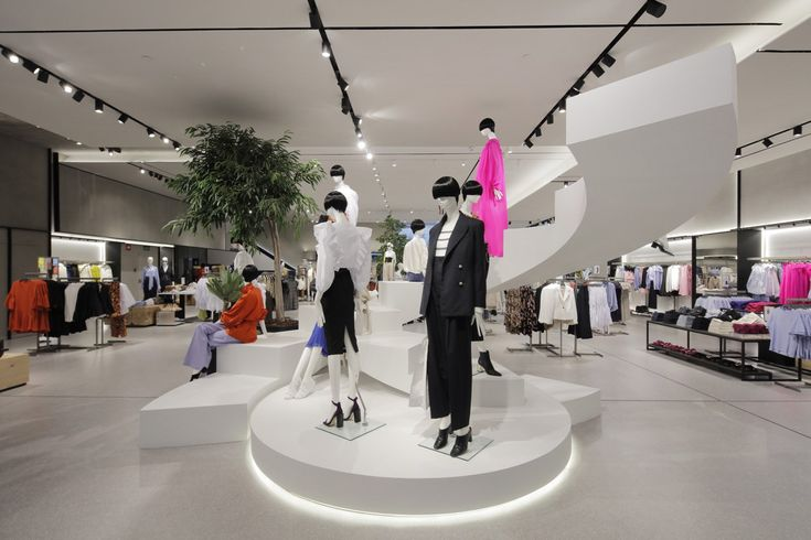 Mango lud zur Store-Eröffnung in der Calle Serrano in Madrid und präsentierte sein neuartiges Shopping-Modell!