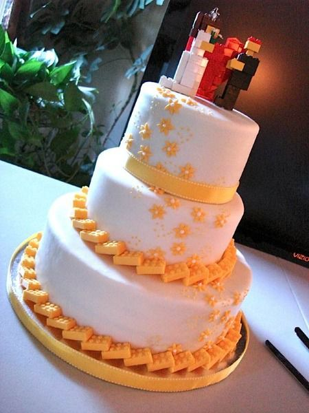Lego weeding cake. check out that border. such a cool idea. Cake Wrecks - Home