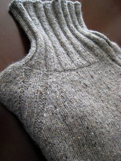 "Ravelry: Project Gallery for 135-13 ""Firenze"" - Jumper for men with raglan and high neck in ""Alpaca"" and ""Fabel"" pattern by DROPS design-free pattern"