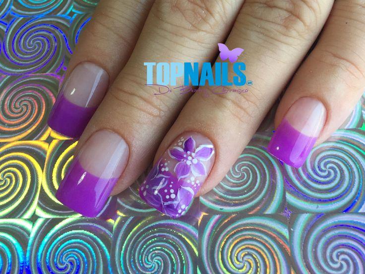 Uñas Acrílicas Francesas y Decorado Floral 💅(Acrylic Nails French and Floral Decorated) 💅 🌺Hazte Fans o Me Gusta 👍 en https://www.facebook.com/topnails.cl 🌸  🇨🇱www.topnails.cl ☎94243426, saludos Beatriz