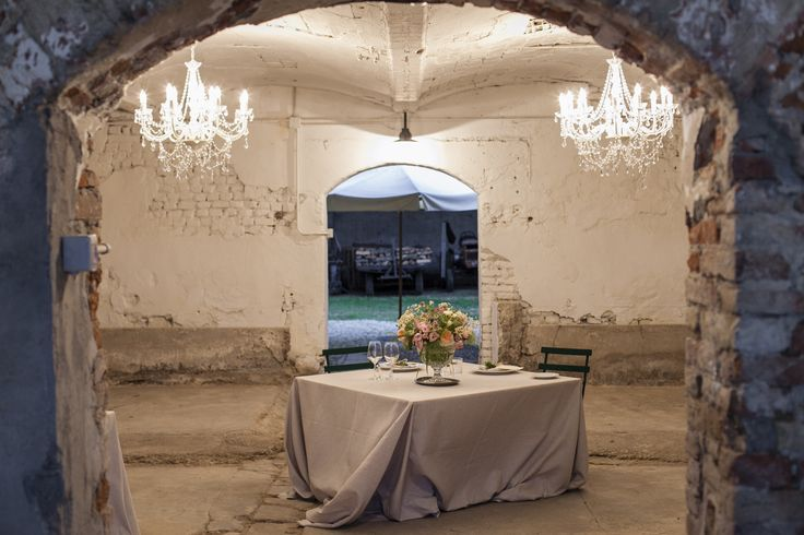 Sweatheart table by MADA events