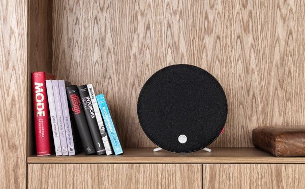 Loop is a modern wireless speaker that not only claims to have breathtaking stereo sound, but it looks pretty darn nice on your bookshelf, too.