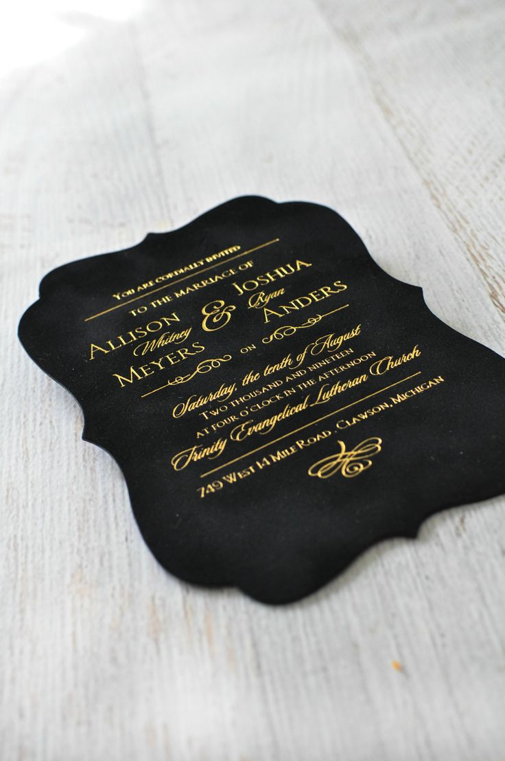 A velvet wedding invitation! Contoured curves give the invitation its striking crest shape while velvet lends a soft and sensual feel. Foil stamping finishes the look.Brilliant.