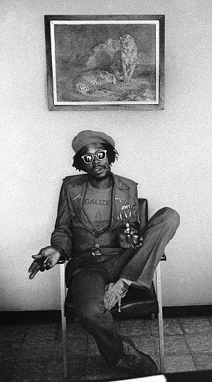 Kim Gottlieb-Walker, Peter Tosh Leopards, 1975 Archival pigment print