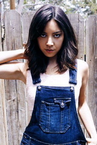 Aubrey Plaza photoshoot I've never seen before but now makes me happy on the inside