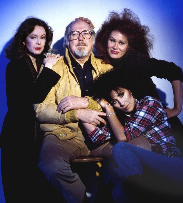 Sandy Dennis, director Robert Altman, Karen Black & Cher publicity photo for Come Back to the Five & Dime, Jimmy Dean, Jimmy Dean (1982)