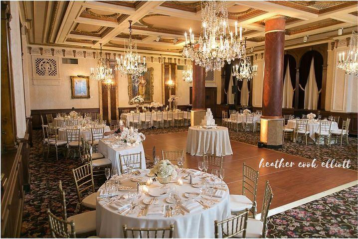 Elegant historical venue. Downtown Milwaukee Weddings.